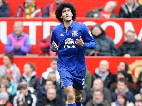 Marouane-fellaini-do-everton-comemora-apos-marcar-contra-o-manchester-united-no-estadio-old-trafford-stadium-em-manchester-1335102887366_1024x768_medium