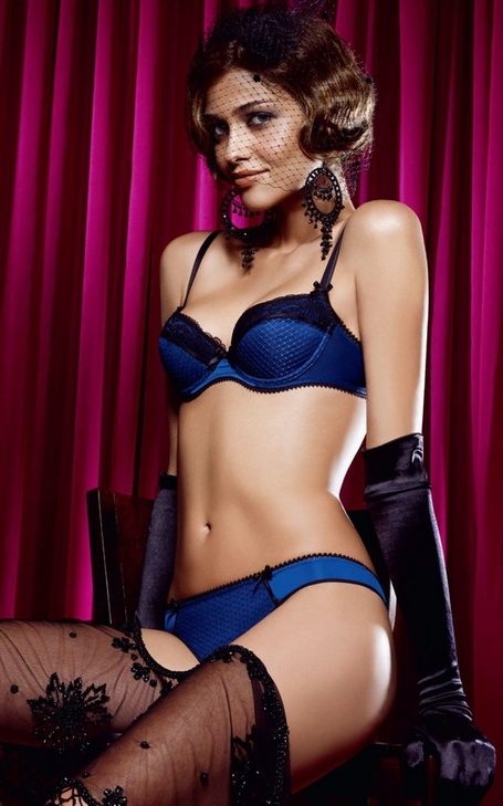 Ana-beatriz-barros_passionata-fw-2009-10_msp2_medium