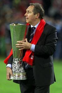 gerard houllier liverpool uefa cup winner