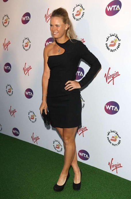 Caroline_20wozniacki_20-_20wta_20pre-wimbledon_20party-02-560x848_medium