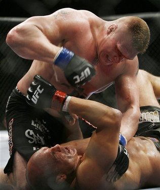 Brock-lesnar-fight-randy-couture_medium