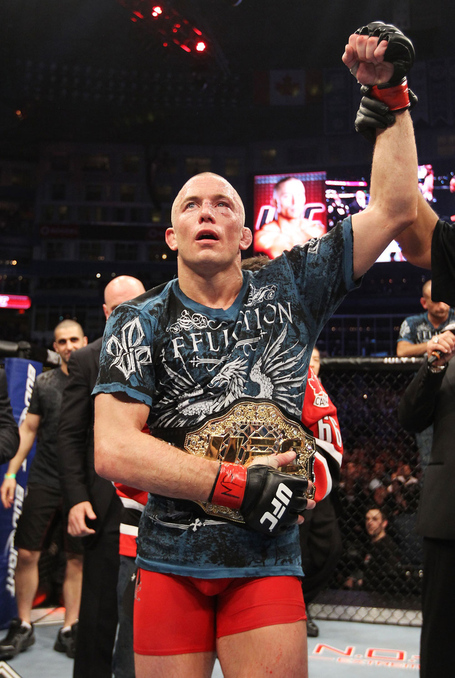 Ufc129_12_gsp_vs_shields_025_medium