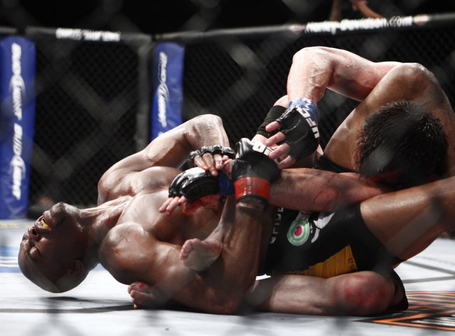Anderson-silva-vs-chael-sonnen-submit_255b1_255d_medium