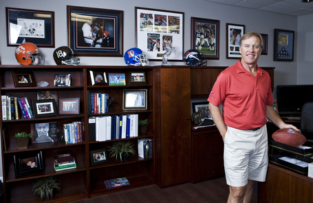 20110801_john_elway_jp_l7f3567_medium