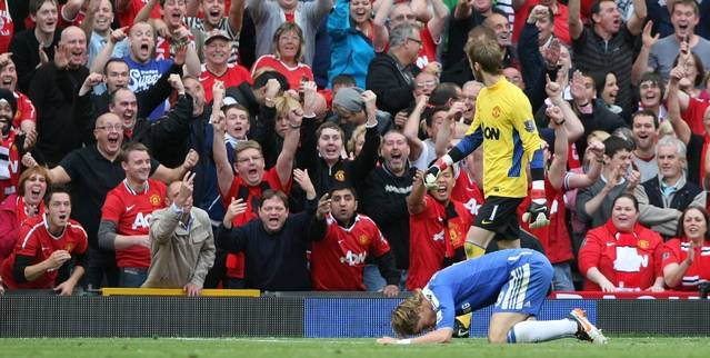 Fernando-Torres-Chelsea-reacts-missing-Manchester-United-cropped