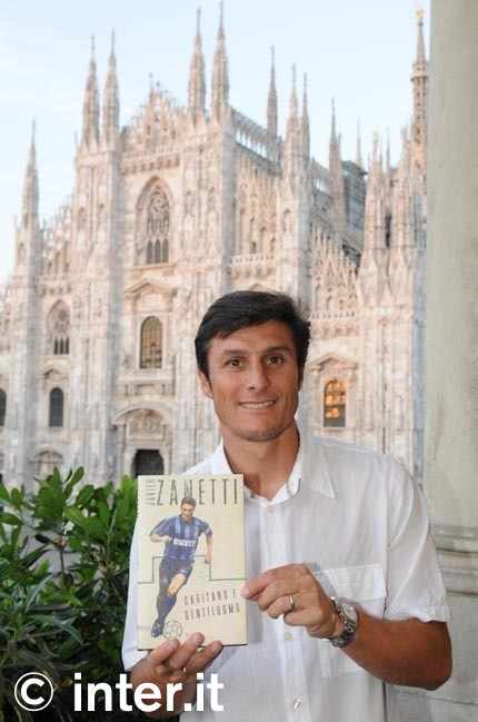 The new Javier Zanetti book.