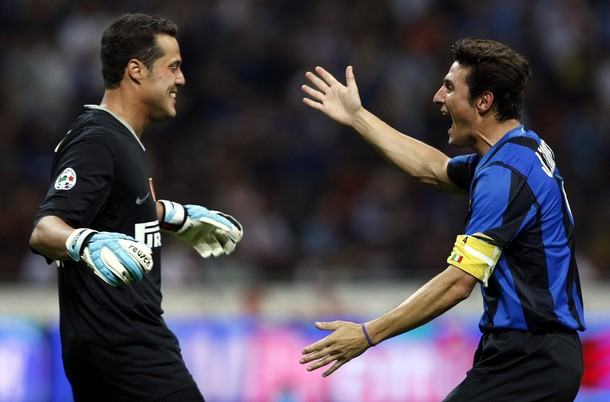 Julio Cesar and Zanetti hug during our win against Siena.