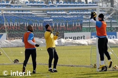 Julio Cesar training