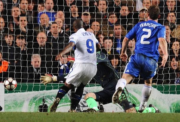 Eto'o scores the winning goal against Chelsea!