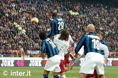 Suazo scoring against Livorno