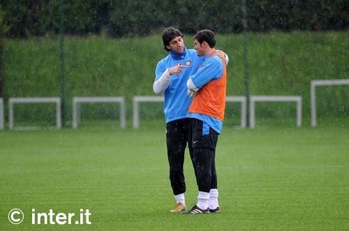 Milito chats with Zanetti