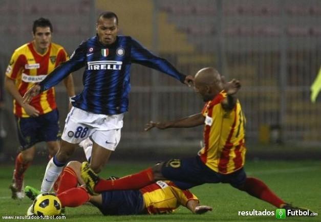 biabiany-inter-milan-es-abordado-ruben-olivera-lecce-su-serie-italiana-partido-futbol-lecce-rf_292938