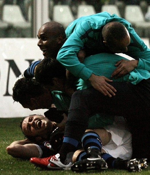 Pig pile on Pazzini - dont break him!