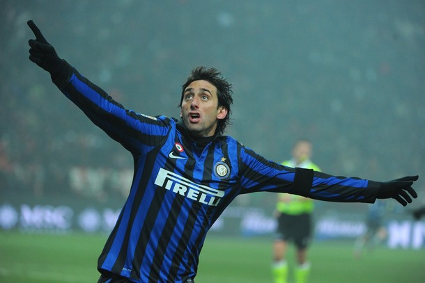 Milito shows up!