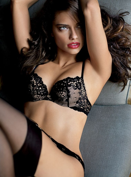 Adriana-lima-vs-new-65_medium