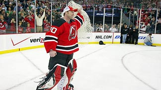 Brodeur_martin_devils_holds_net_325x183_medium