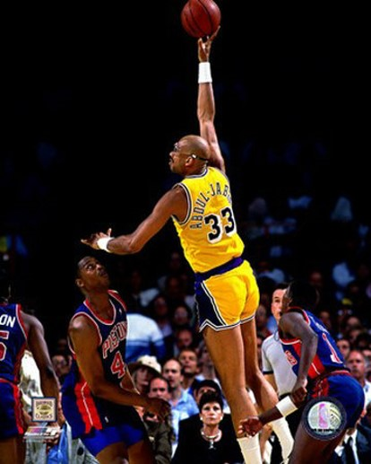 1261090794-kareem_abdul_jabbar_skyhook_medium