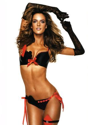 Alessandra-ambrosio-underwear-photos_medium