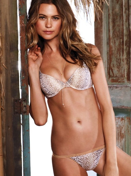 Behati_prinsloo_for_vs_may_2012-201_medium_medium