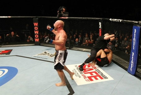 Ufc144_08_boetsch_vs_okami_009_medium