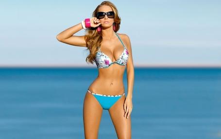 Ewelina-olczak-bikini_medium