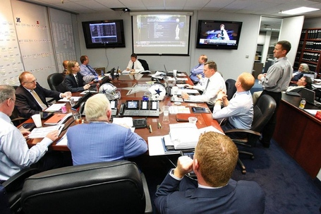Temp20120426_01_dal_draft_room01--nfl_mezz_1280_1024_medium