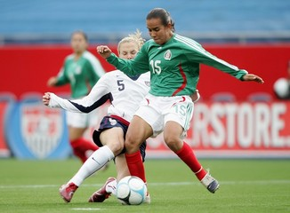 Us_women_v_mexico_j99t8uow-kam_medium
