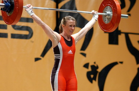 04_titan_weight-lifting_spolight_200007_medium