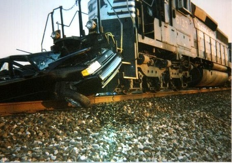 Train_20car_20wrecks_medium