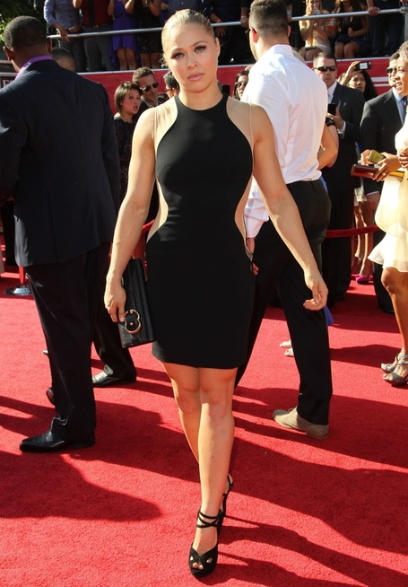 Ronda-rousey-2012-espy-awards-02_medium