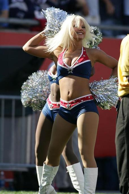 Buffalo-bills-cheerleader_medium