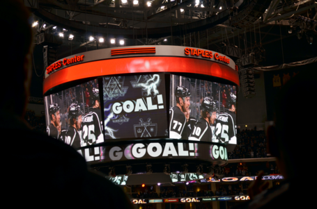 Staples-center-goal-thing_zpsd0249488_medium