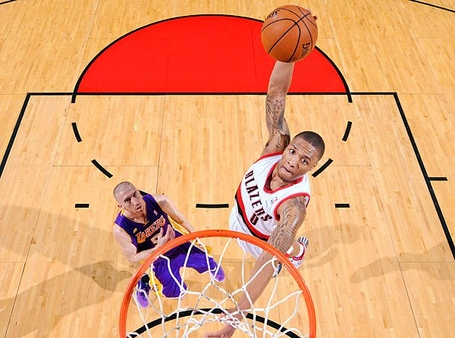 Damian-lillard-dunk_medium