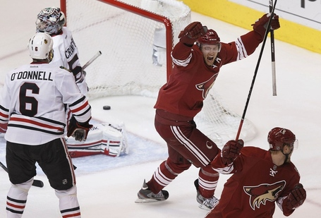 Chicago-blackhawks-phoenix-coyotes-game-2-5_medium