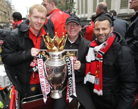 Paul-scholes-ryan-giggs_alex-ferguson_medium