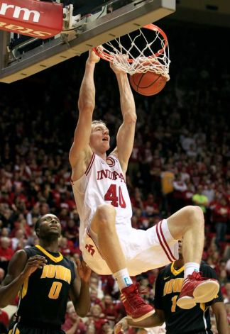 Cody-zeller-dunk-on-iowa_medium