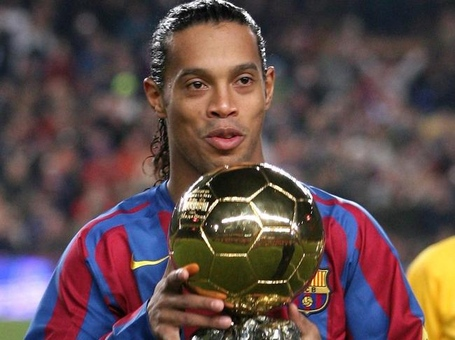 Les-ballons-d-or-du-fc-barcelone-ronaldinho_full_diapos_large_medium