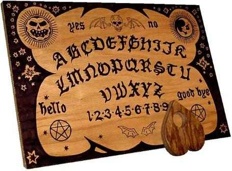 English_ouija_board_medium