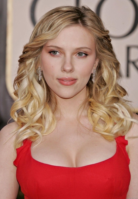 Scarlett-johansson-95_medium