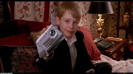 Kevin_macaulay_culkin_in_home_alone_1280x720_medium