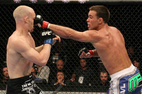 Ufc121_10_shields_vs_kampmann_004_medium