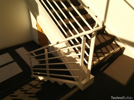 Nexus-5-sample-stairwell-landing1_medium
