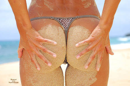 Sandybeach_ass_medium
