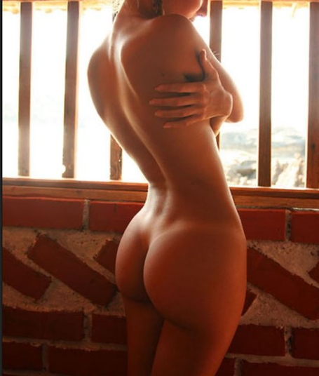 Sexy-back-dimples-on-woman-20_medium