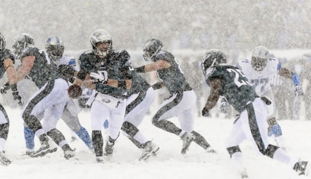 Usatsi_eagles-lions-foles-mccoy-snow-howard-smith-usa-today-sports-626x360_medium