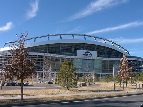 800px-denver_invesco_stadium_1_medium