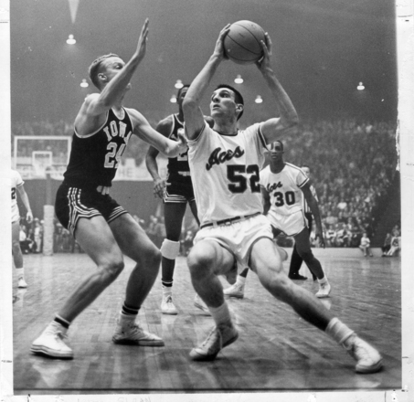 Large_jerry-sloan-action-at-evansville_medium