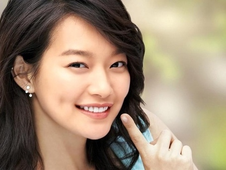 Shin-min-ah-korean-actors-and-actresses-32733854-500-375_medium