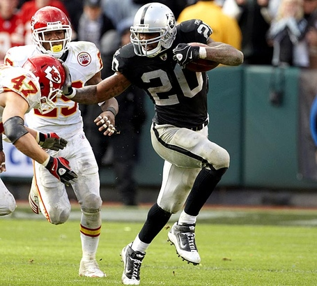 Darren-mcfadden-raiders_medium