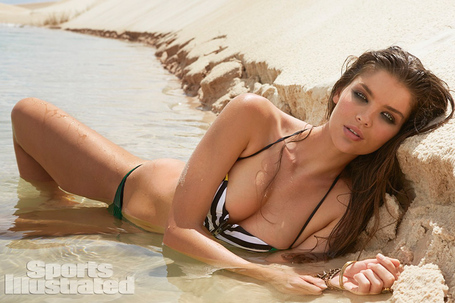 2014-sports-illustrated-swimsuit-issue-preview-15_medium